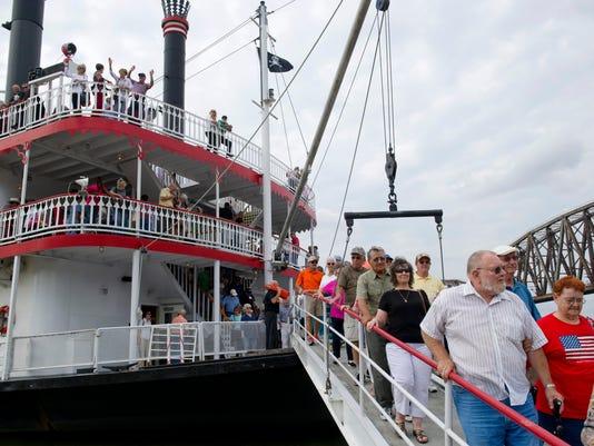 636125017518786191-dsriverboat014.JPG