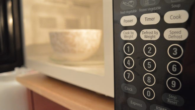 When ovens and stoves aren't an option, a microwave can be a college students best friend.