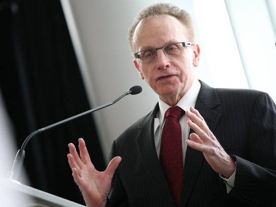 Warren Mayor Jim Fouts.