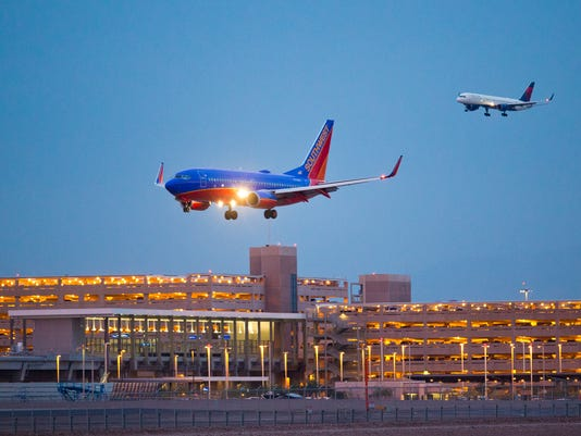 1119130328el PNI1124-met airline cutbacks
