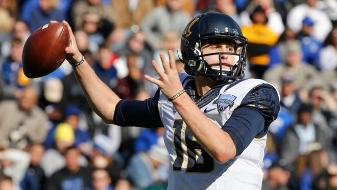 California Golden Bears quarterback Jared Goff (16) could be drafted with the first overall NFL pick.