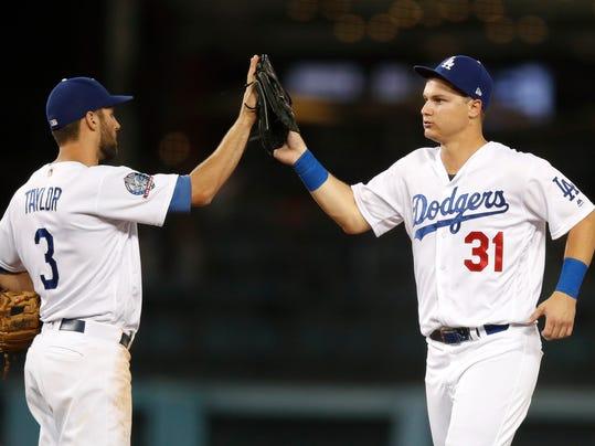 Rangers_Dodgers_Baseball_82702.jpg