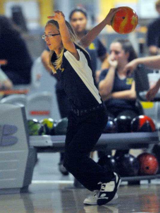 -HIGH SCHOOL BOWLING CR 14944.jpg_20141001.jpg
