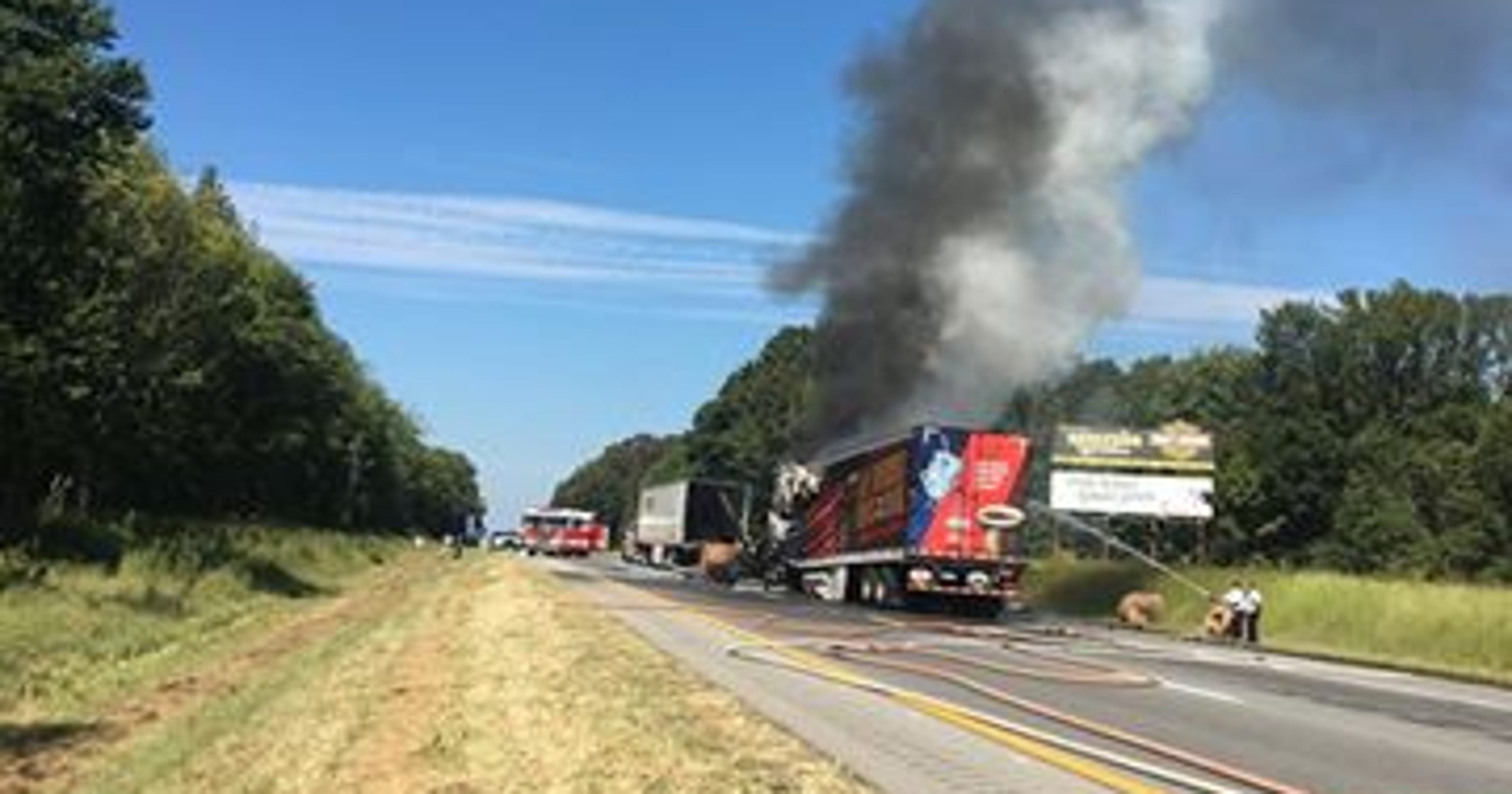 Fatal fiery wreck closes part of I-24 near Pleasant View