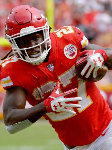 Chiefs rookie RB Kareem Hunt is the first rookie in