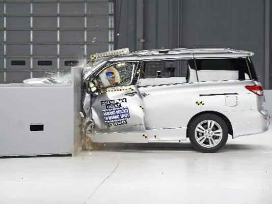AP_Crash_Tests-Minivans_NYBZ.jpg