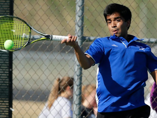 636602809918907655-OSH-Oshkosh-West-Boys-Tennis-v-Neenah-042518-JS-0124B.jpg