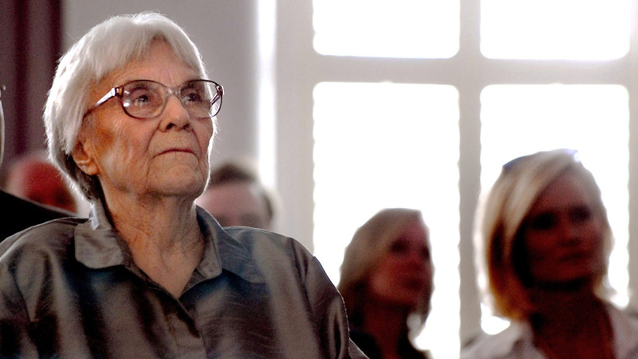 Harper Lee, author of 'To Kill a Mockingbird,' dies at 89
