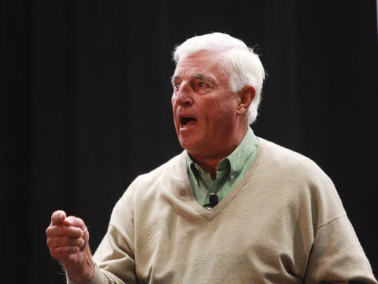 Bob Knight will be the honorary chairperson at this year's Indiana Derby.