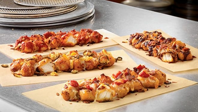 We tried Domino's new Specialty Chicken pizzas.