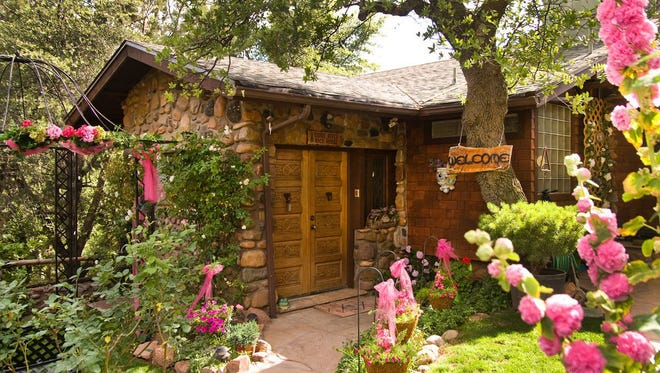 Verde River Rock House Bed and Breakfast in Payson.