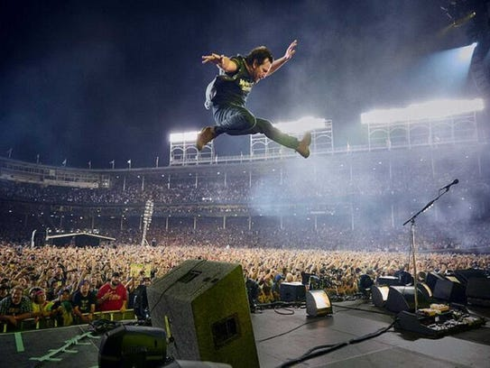 Pearl Jam rocks Wrigley Field (and the Paradiso, Tuesday