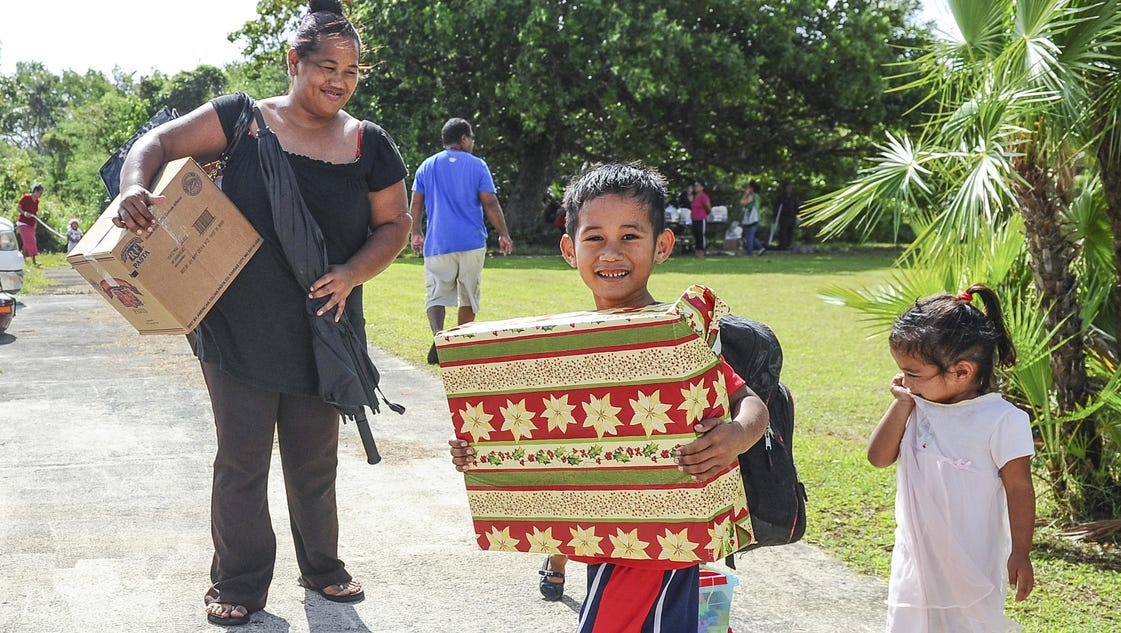 Toys N Joys Hawaii : Help salvation army give presents to needy children
