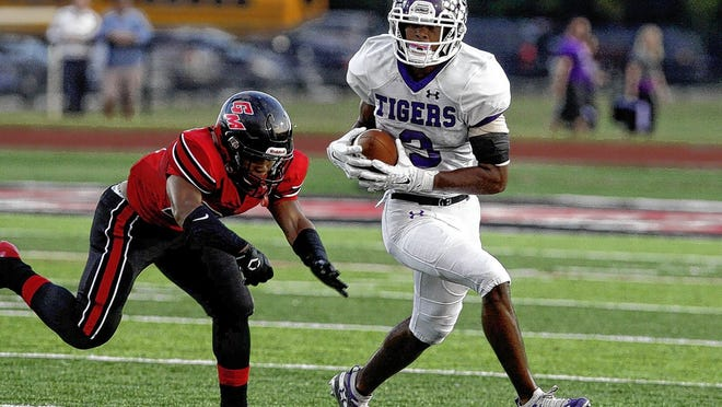 Senior two-way standout Lorenzo Styles Jr., a four-star recruit who has committed to Notre Dame as a wide receiver, returns for Pickerington Central after helping the Tigers win the Division I state championship last season.