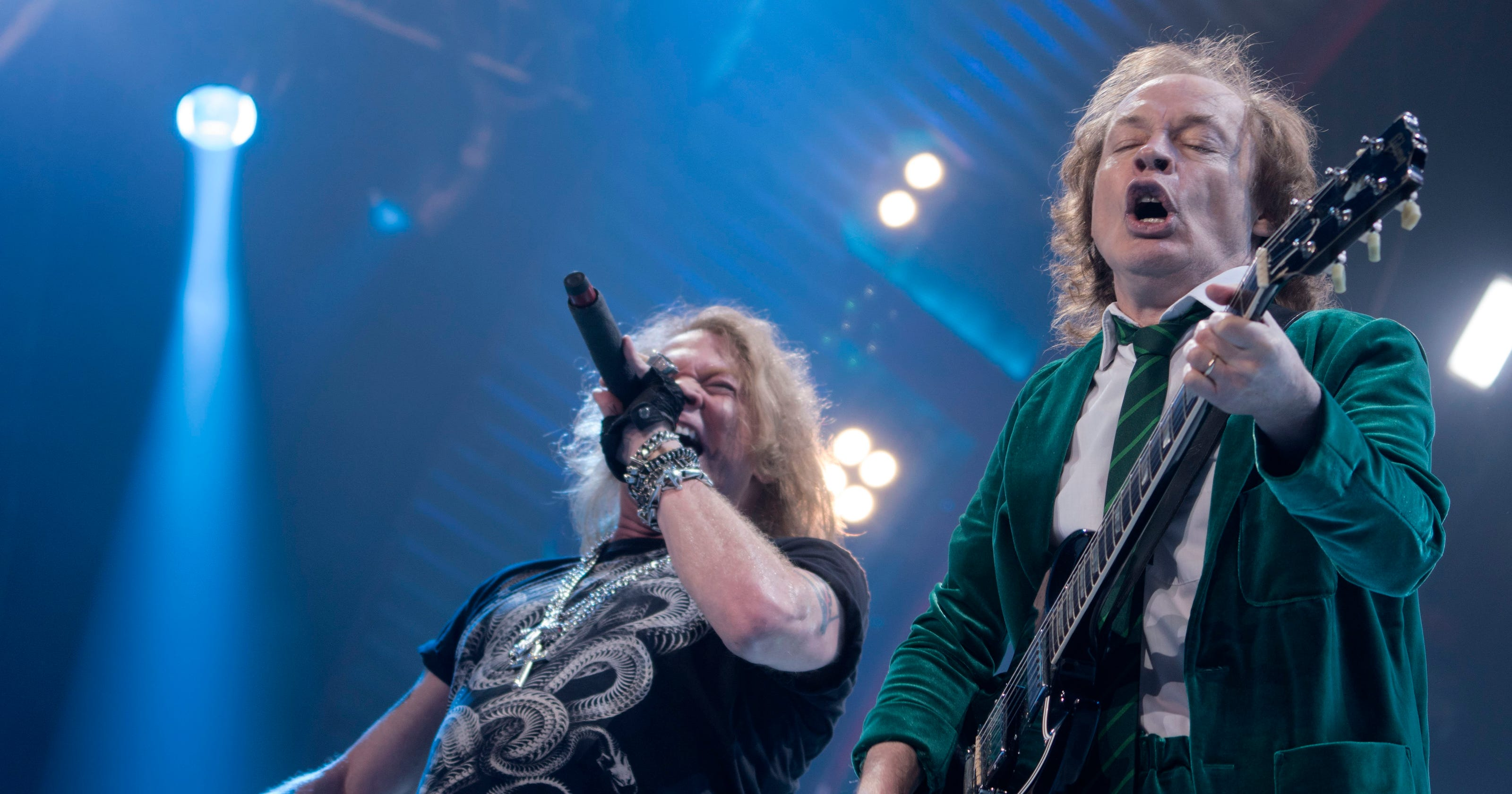 AC/DC makes rock \'n\' roll thunder with an impressive Axl Rose
