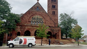 Facade collapses at historic First Congregational Church of Detroit