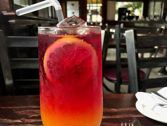 The Turmeric Blueberry Lemonade Spritzer from Plum