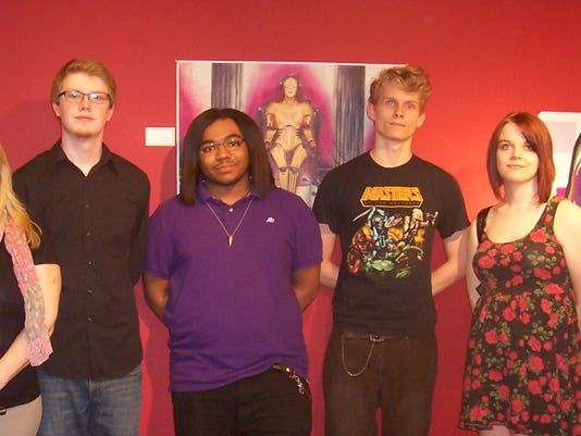 Diamond Oaks students at AIC Gallery.jpg