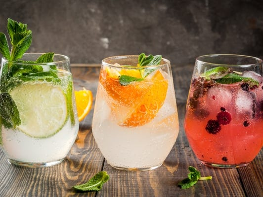 Looking for a summer thirst quencher? Download free summer drink recipes to make at parties!