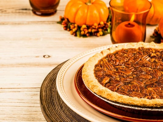 636622378881490288-pumpkin-pecan-pie-fruit-holiday-presto-pic.jpg