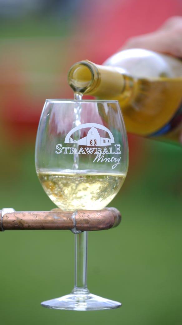 Strawbale Winery is hosting their Folk Off and Rib