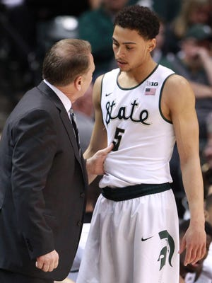 MSU coach Tom Izzo talks to guard Bryn Forbes during Sunday's 2016 Big Ten tournament title game against Purdue, in which Forbes scored nine points but played 30 minutes in MSU's 66-62 win.