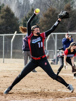 Arrowhead pitcher Mimi Bradley (10) winds up during the game at home against New Berlin West on Wednesday, March 28, 2018.