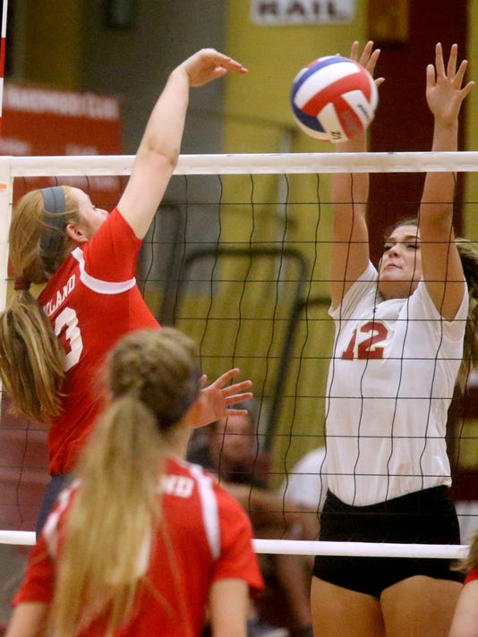 636390382736723330-16-Oakland-vs-Riverdale-Vball.JPG