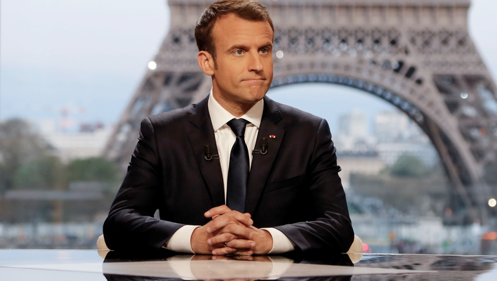 French President Emmanuel Macron discusses the military