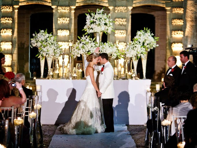 South florida certainly offers a lavish lifestyle and weddings are no