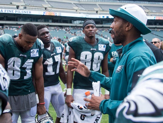 Win kelce discusses the eagles run game in win jalen mills on eagles