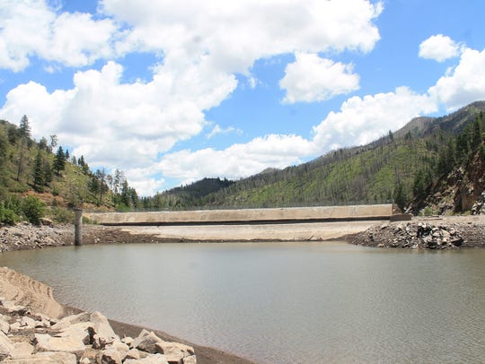 While the Little Bear fire didn't directly damageBonito Lake, nearby debris and sediment from the fire flowed into the lake after monsoonal rainscaused heavy flooding. The debris clogged thepipeline thatAlamogordo utilized as a water source.