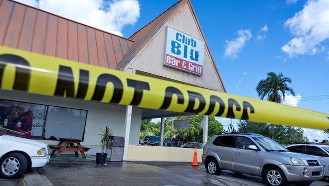El tiroteo con dos muertos en una fiesta juvenil en Florida no fue un acto terrorista Un cordón polical delimita el acceso a la discoteca Club Blu en Fort Myers, donde al menos dos personas resultaron muertas y otras 17 heridas tras un tiroteo durante una fiesta juvenil, en Florida, Estados Unidos.