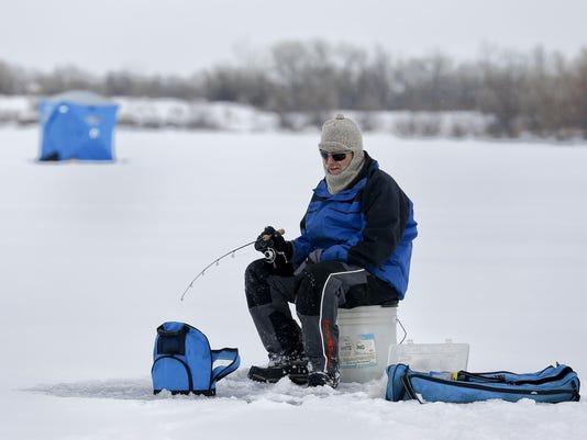 ice fishing 4