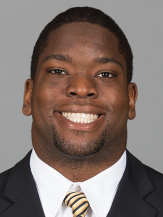 AP California Player Dies Football_001