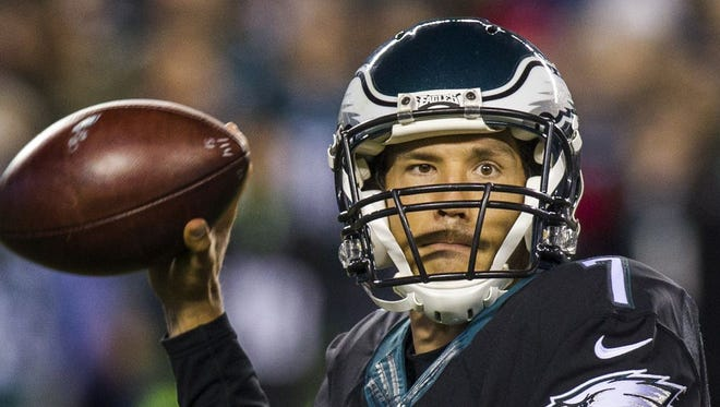 Sam Bradford threw for 280 yards, but three interceptions, in the Eagles' 27-7 win over the Giants on Monday night.