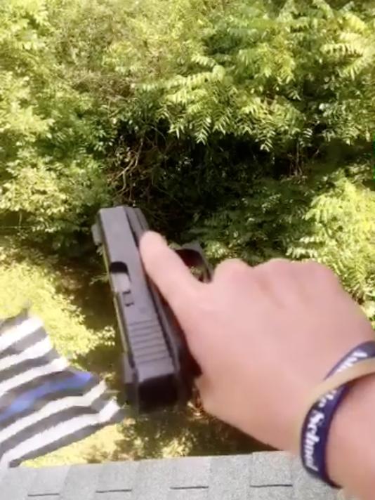 GunSnapchat-02.png