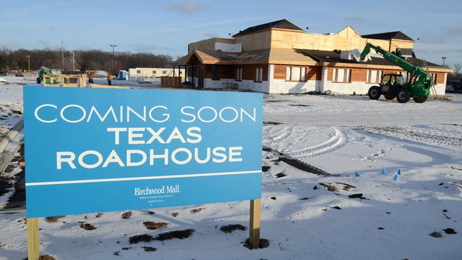 Texas Roadhouse will be opening in Fort Gratiot April 6.