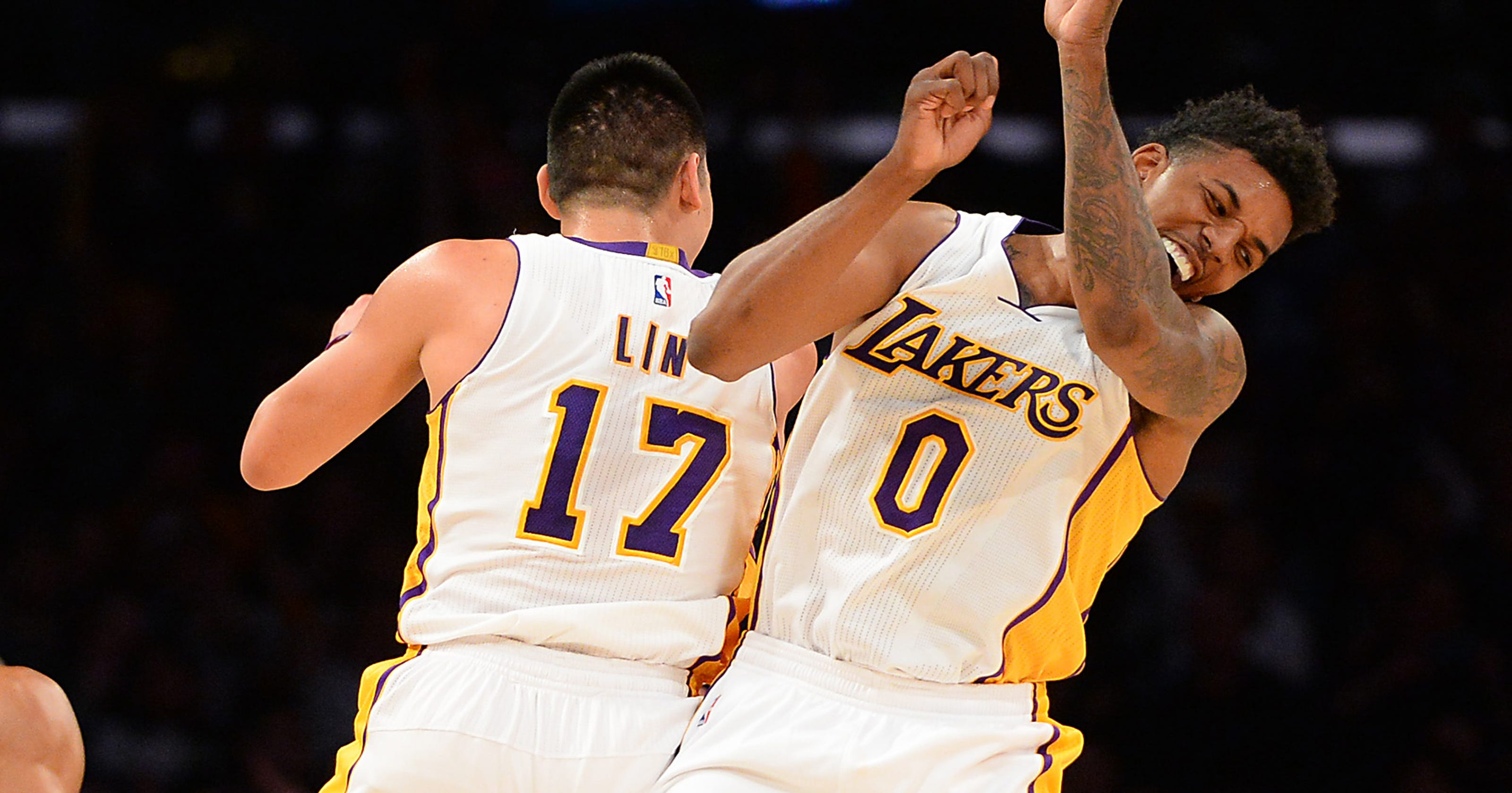 c153cb195 Lakers stop 7-game losing streak with OT win over Celtics