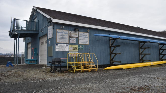 The City of Newburgh community and a group of about 10 Columbia graduate students met at the Ward Brothers Memorial Rowing Park on Sunday to discuss ways to improve the boathouse used by the Newburgh Rowing Club.