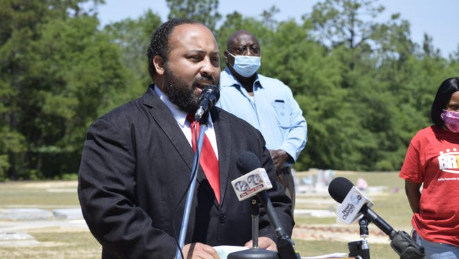 """Waynesboro Mayor Gregory Carswell Jr., who is facing theft and fraud charges, said he would take a leave of absence """"in the best interest of the city and of the citizens and for my family."""""""