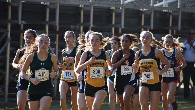 Reese Wilson (800) of Richmond Hill leads pack in Fishy Invite on Oct. 8 at Richmond Hill High School.