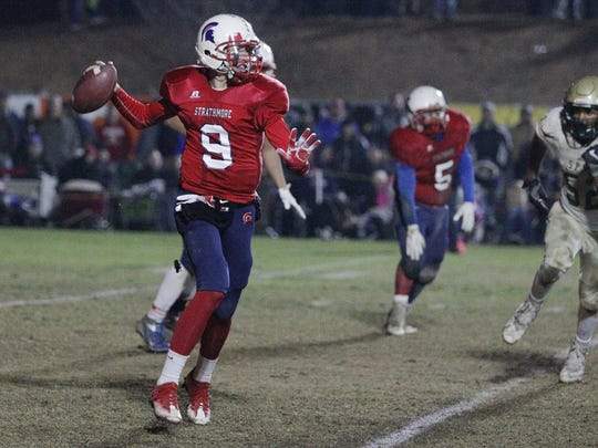 Strathmore's Nick Salas passes against St. Patrick-St. Vincent during a CIF State Division 6-A Championship Bowl Game in Strathmore, Calif., Saturday, Dec. 17, 2016.
