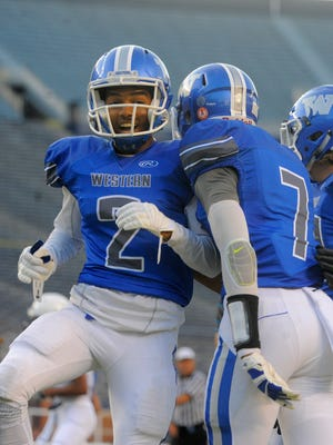 Kameron Ford and Walled Lake Western are ranked No. 2 in the state and No. 1 in the North by The Detroit News.