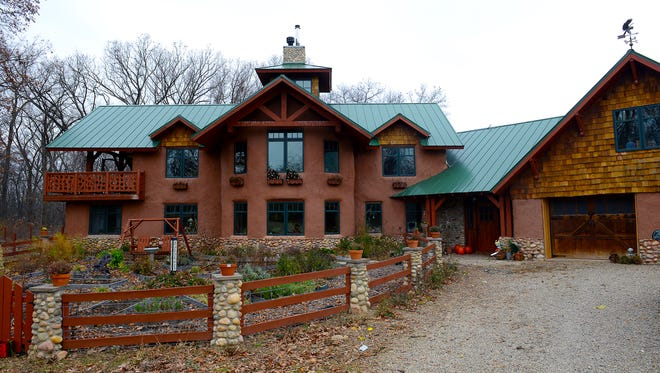 Joe and Shelly Trumpey built this straw-bale house on their Sandy Acres Farm in Grass Lake, Mich.