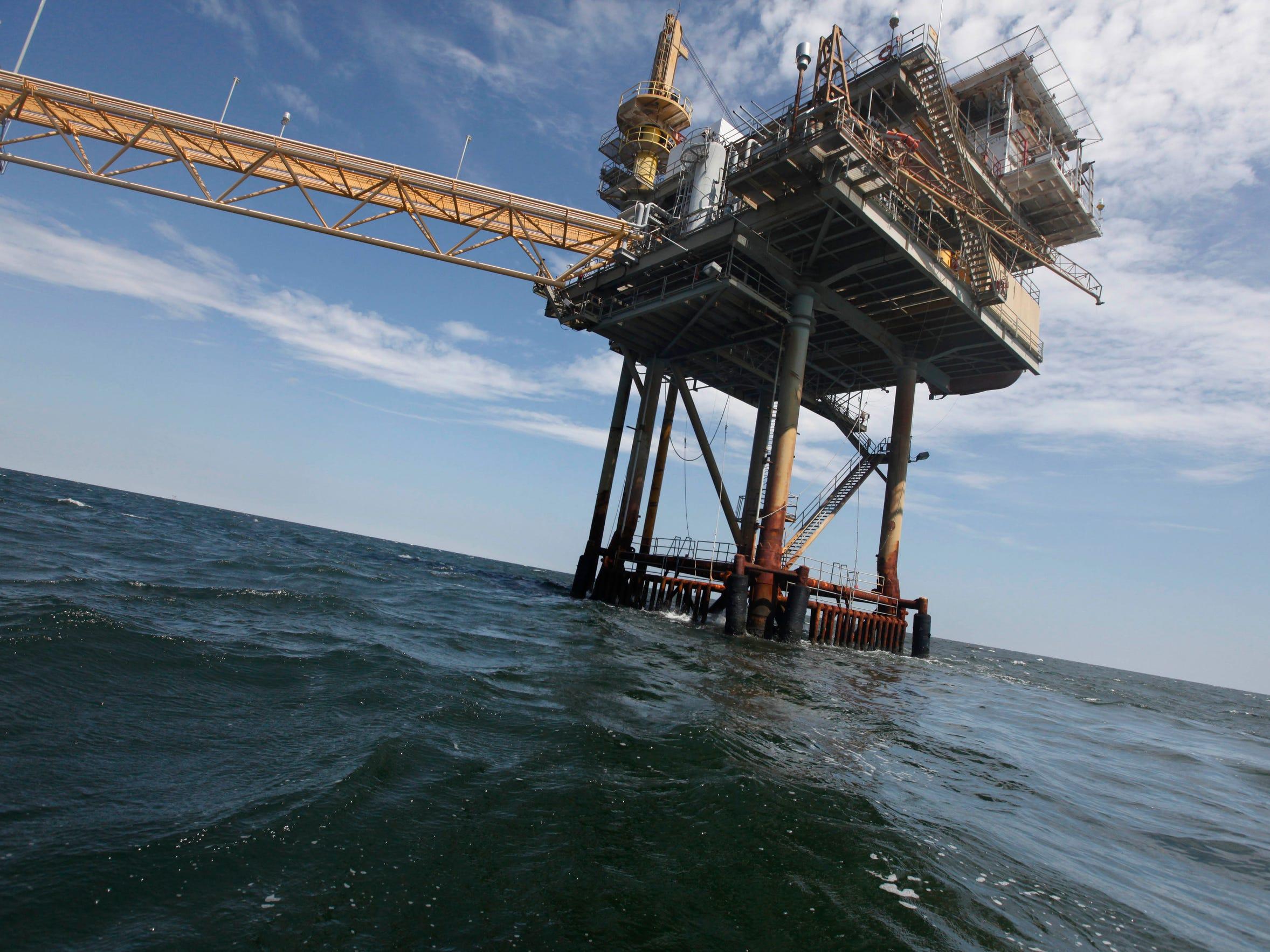 Explore a treasure trove of oil spill research on DIVER