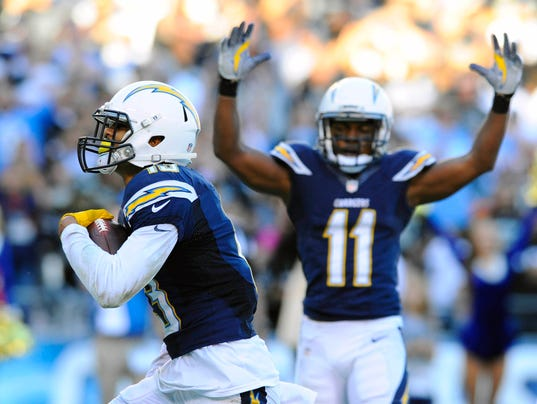 Chargers Top Hapless Raiders To Keep Playoff Hopes Alive