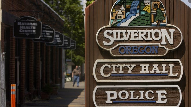 --The sign for the Silverton City Hall in Silverton Friday 5/12/06. (Kobbi R. Blair/Statesman Journal)