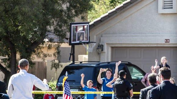 President Obama waves at Gilbert residents before leaving