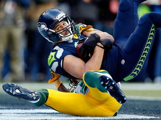 Seattle Seahawks receiver Jermaine Kearse catches a